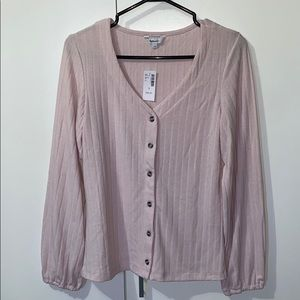 Button up long sleeve knit ribbed top.